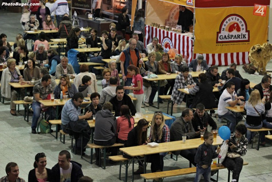 Ilustračný obrázok k článku Veľký pivný festival je predo dvermi: Ochutnávka toho najlepšieho piva a jedla na jednom mieste v Nitre